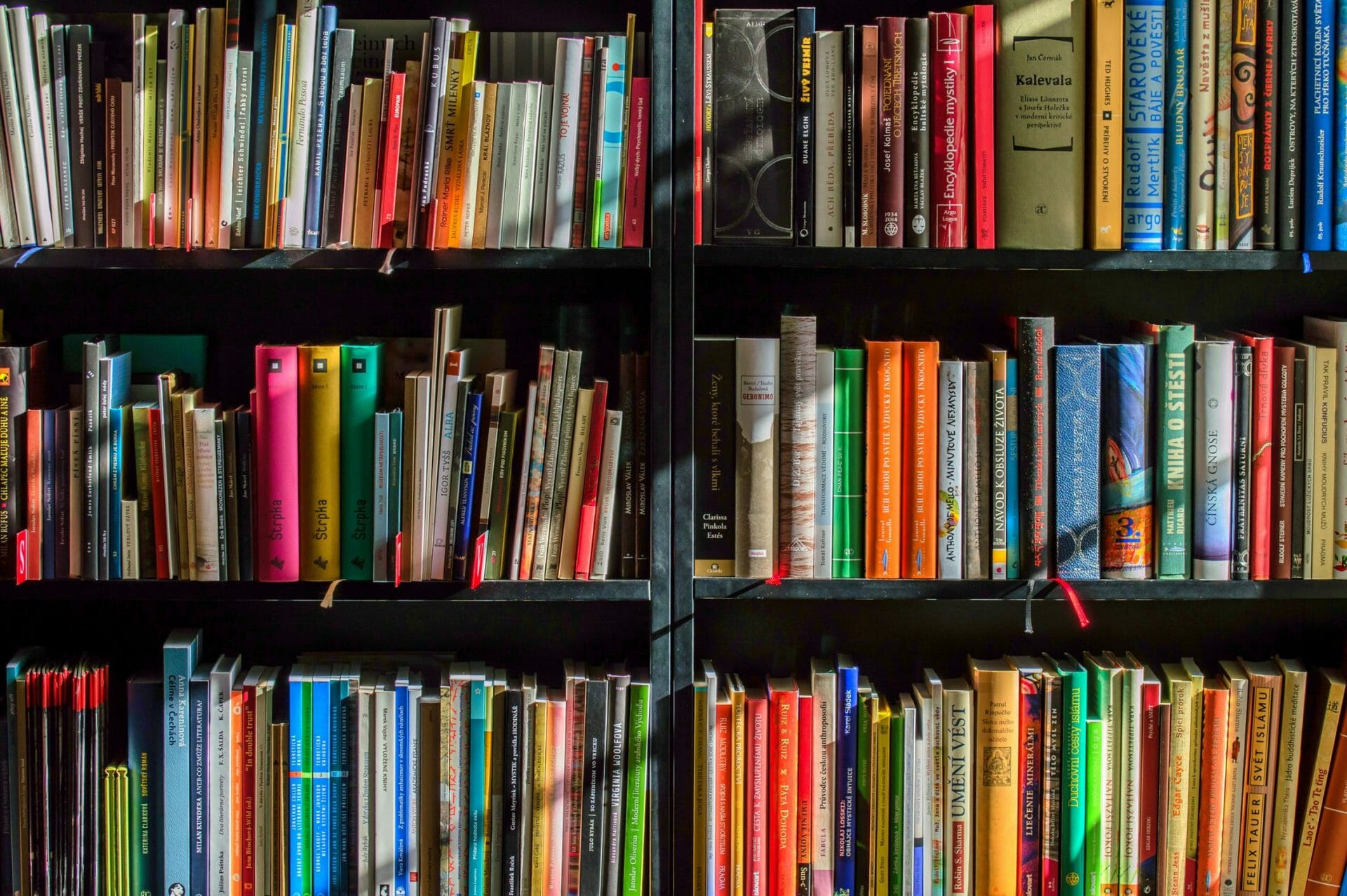 bookshelf of links and resources